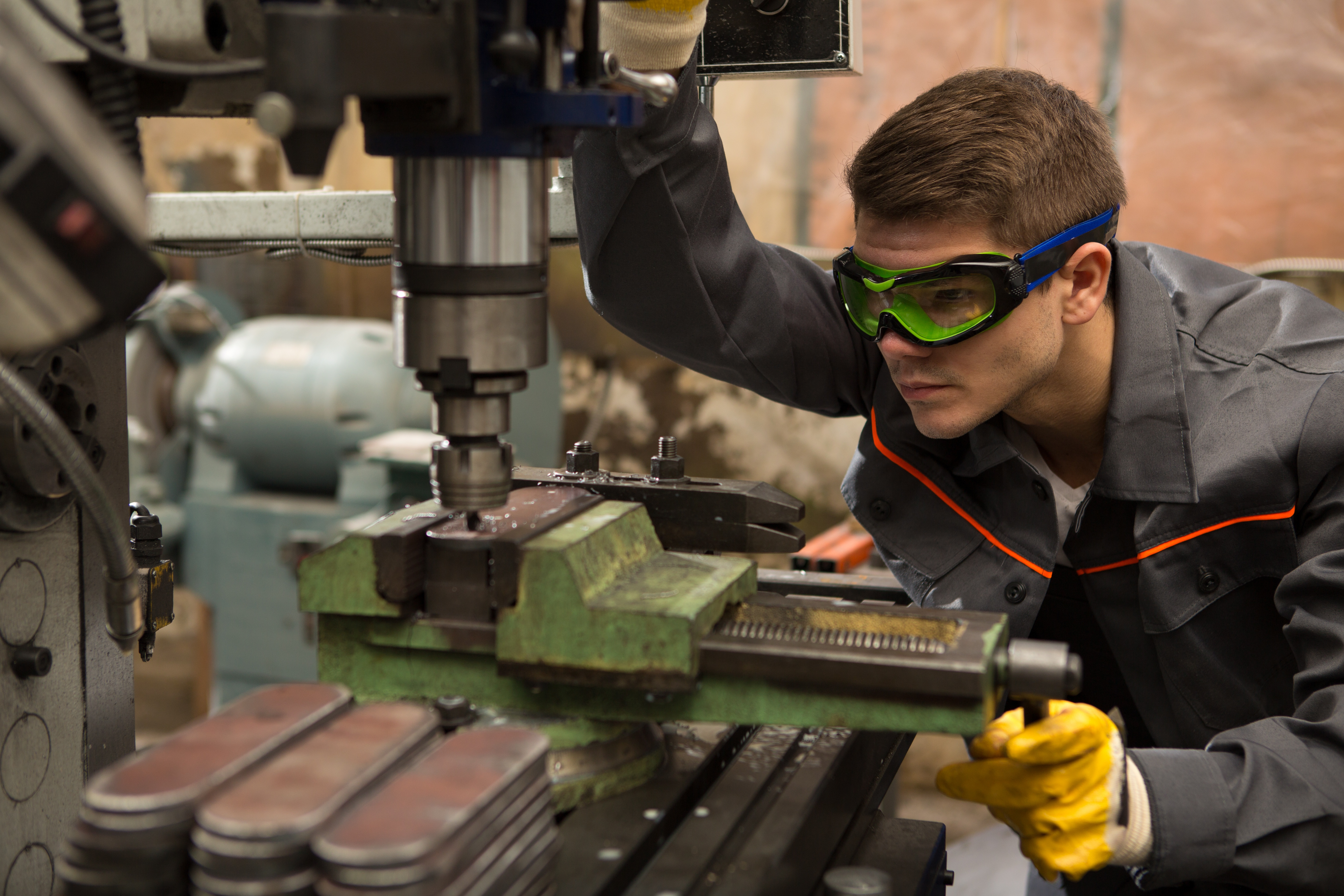 Safety Eyewear: Does Fit Really Matter? 4 Easy Tips To Help You Decide.